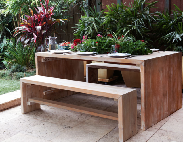 outdoor table in NZ tropical garden